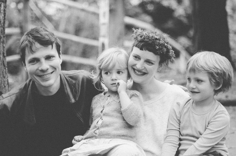 Marcia Friese Fotografie,Familienfotos Zuhause,Geschwisterfotoshooting,Familienfotoshooting,Schwangerschaftsfotoshooting,Berlin,Familienfoto,Familienbild,Familienportrait