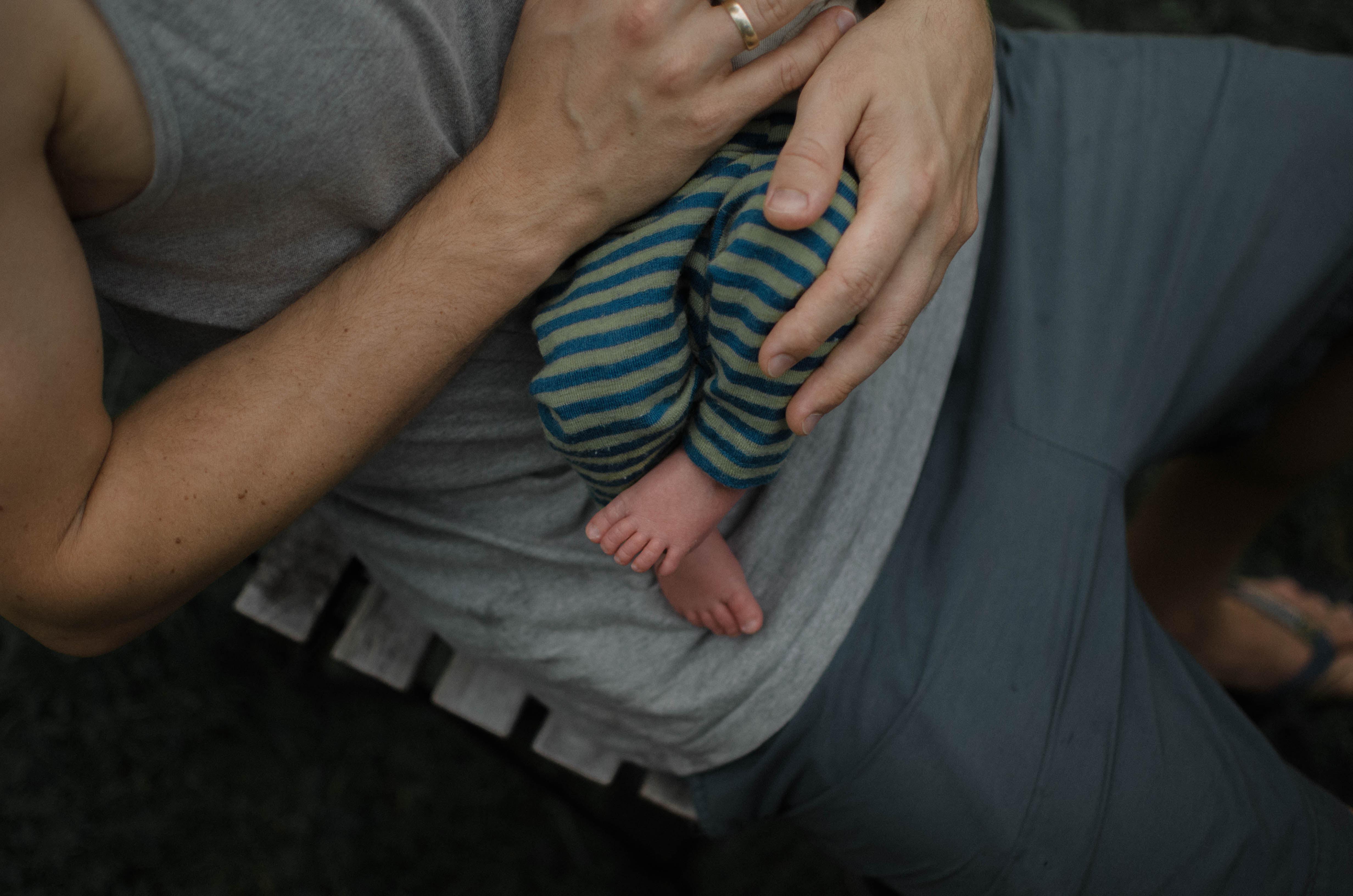 chenbett Fotoshooting Babyfotos Vaterliebe Berlin DSC_8685