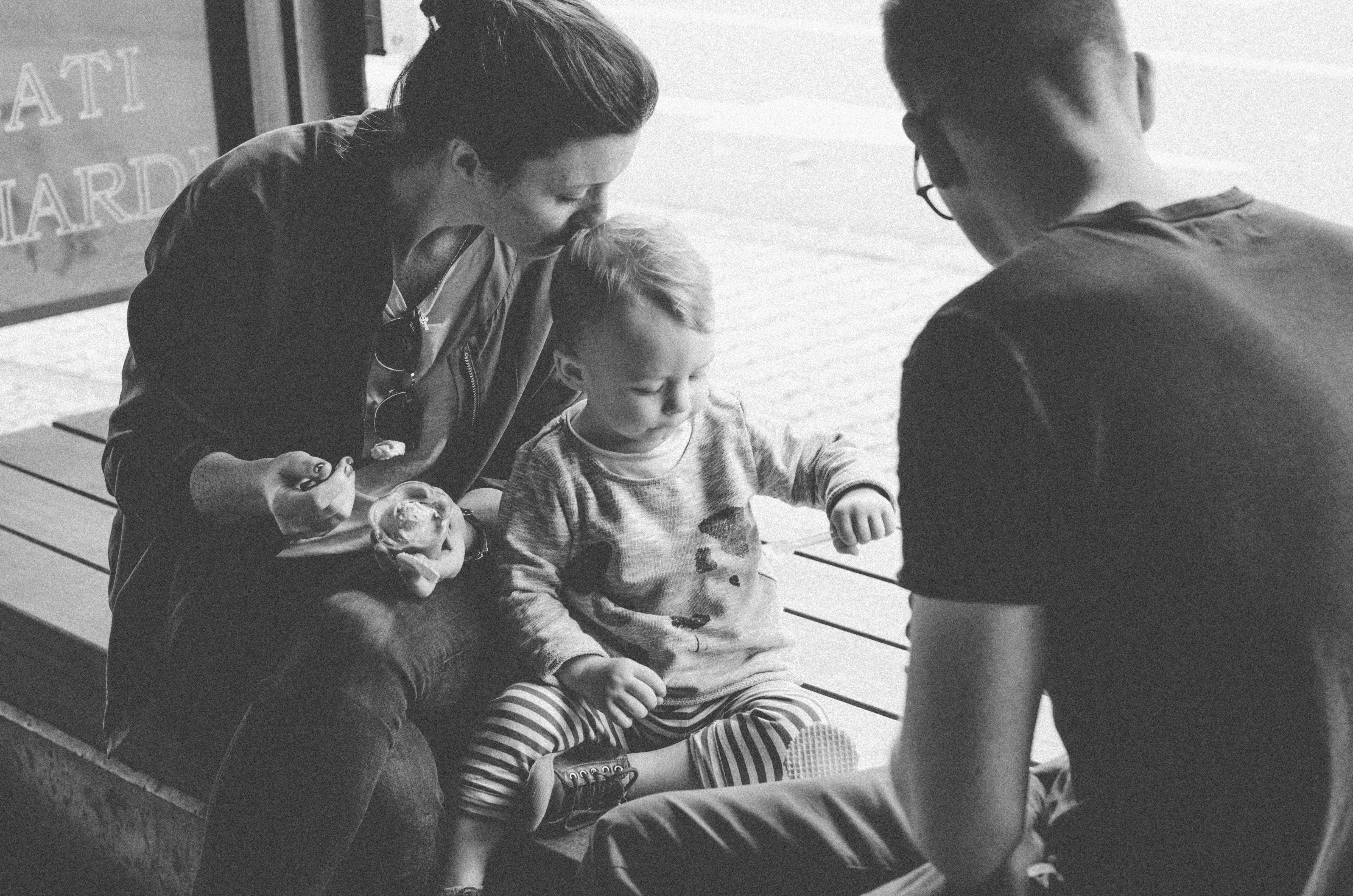 Dokumentarische-Familienfotografie-Eisladen