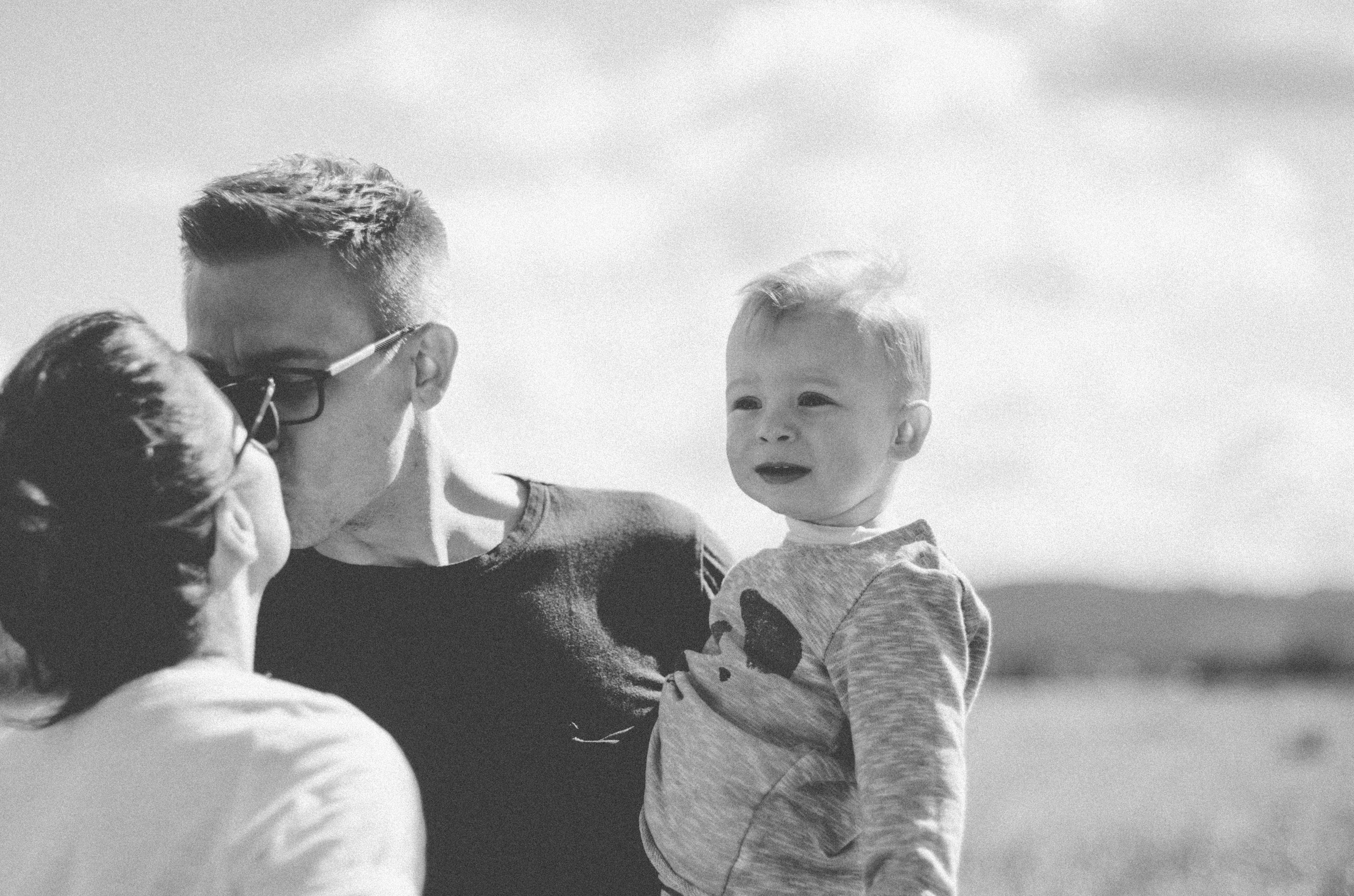 Dokumentarische-Familienfotografie-im-freien