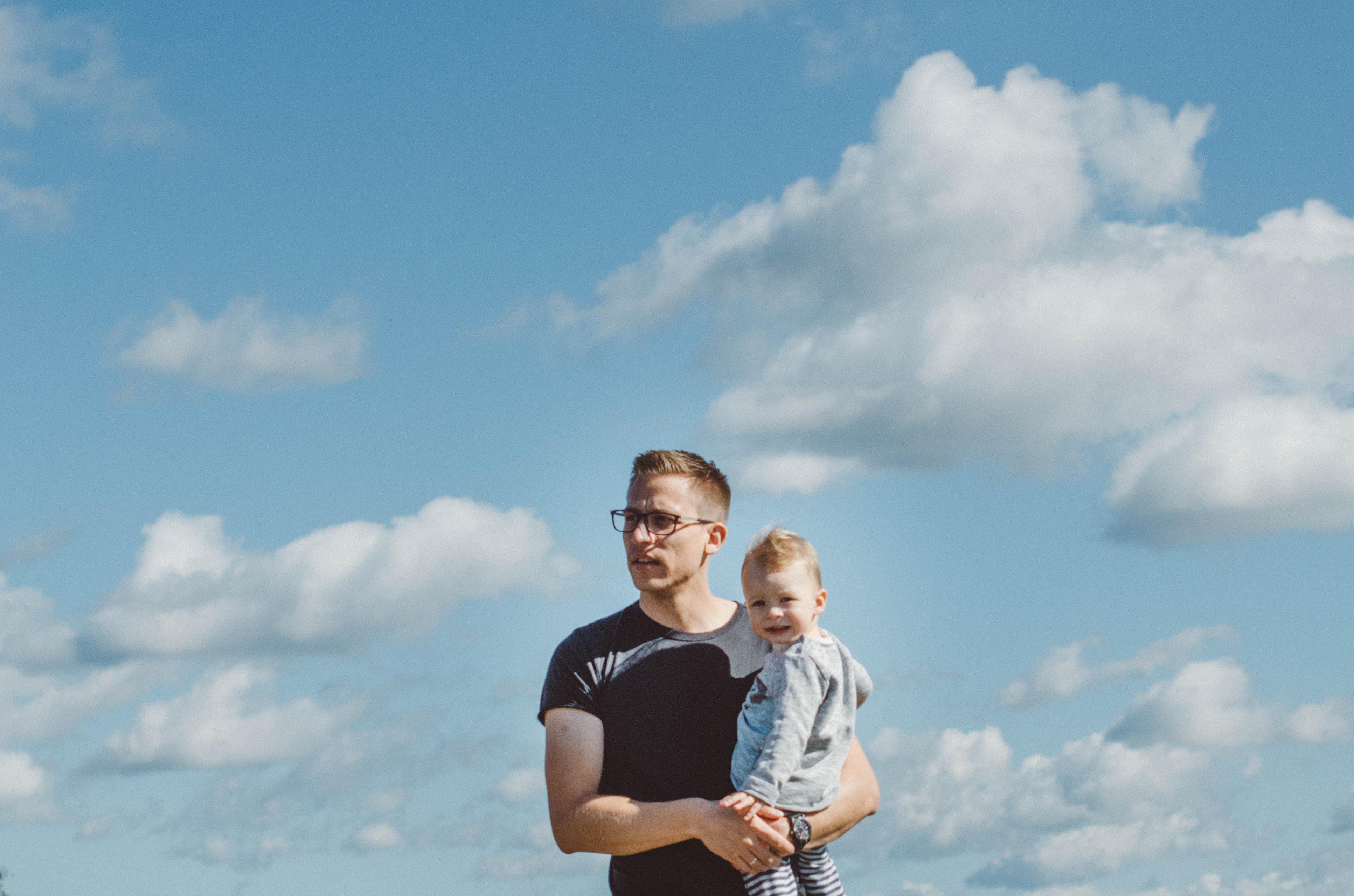 Dokumentarische-Familienfotos-Vaterliebe