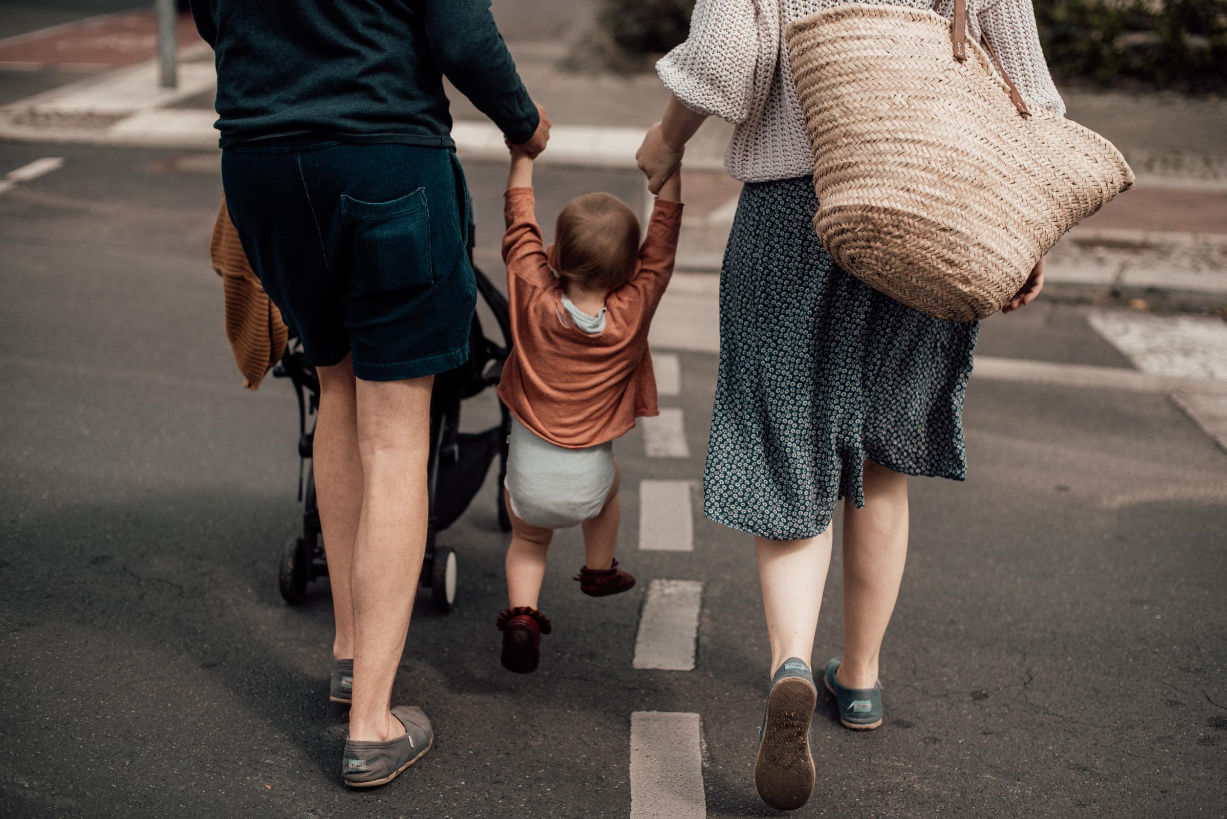 Engelchen engelchen flieg, Eltern mit Kleinkind, Fotograf in Basel