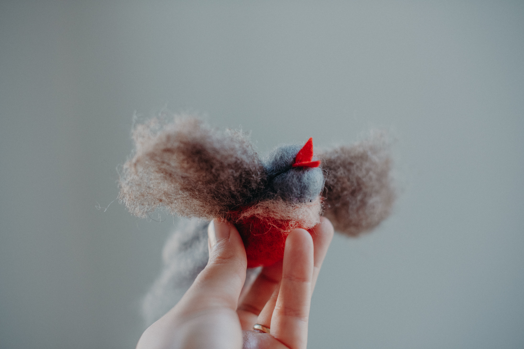 Waldorf Bastel Idee Vogel Wolle, nachhaltige Adventskalender Ideen für Kinder,