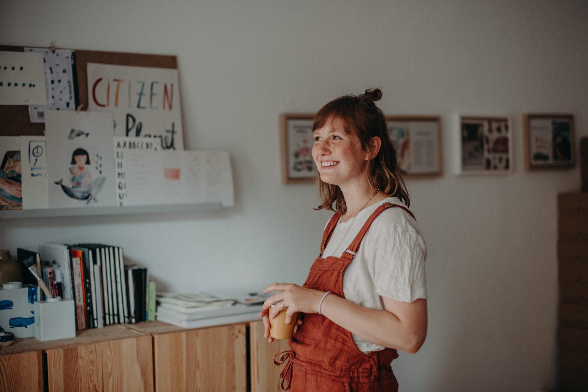 unternehmen fotoshooting freiburg Business Portrait von Illustratorin Gretas Schwester